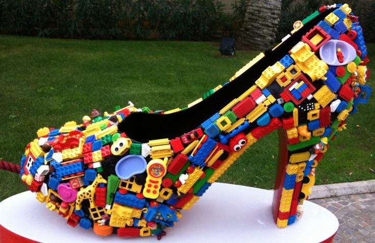 Big lego stiletto at McArthurGlen outlet  -  Rome
