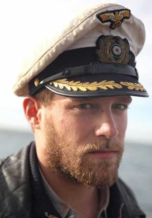 perfect beard and what about the face that goes with it. WOW that face a sea…