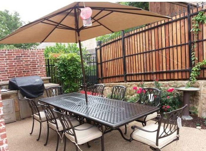 Hanamint mayfair dining set with treasure garden umbrella for Hanamint patio furniture
