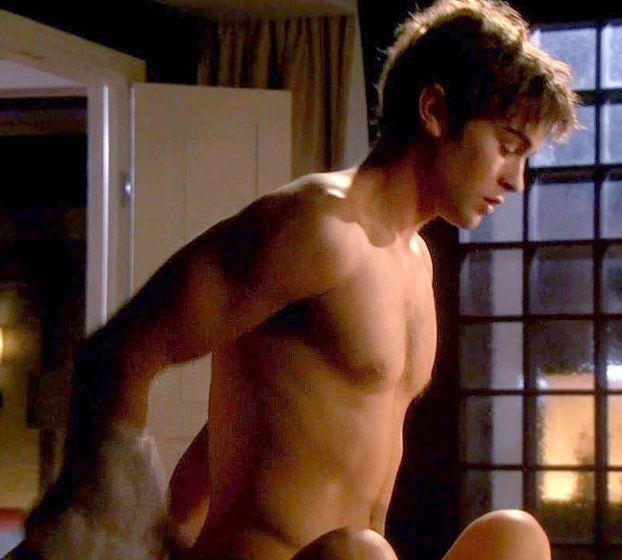 A shirtless Nate (Chace Crawford) from Gossip Girl