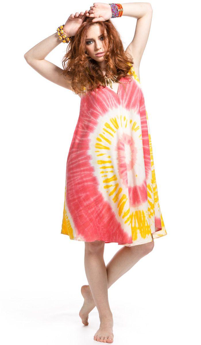 Платье Космос из легкой хлопковой ткани очень удобное и яркое. 3760 рублей