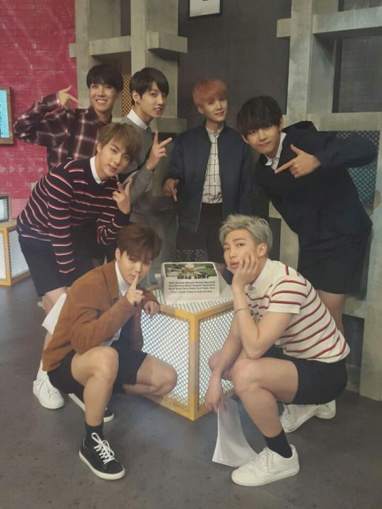 Pleas share this hashtag to make a dream come true ^-^ #GERMANYneedBTS
