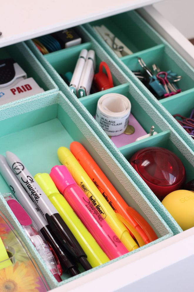 In need of some organizing solutions for your office desk drawers or junk drawer Take these simple tips to create a streamlined set of organized desk drawers! | Modish and Main #marthastewart