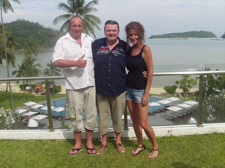 Corina & Thomas mit Johannes dem Leiter des Kompetenzteams Marketing