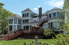 Saltair Inn Waterfront Bed and Breakfast in Bar Harbor, Maine | B&B Rental