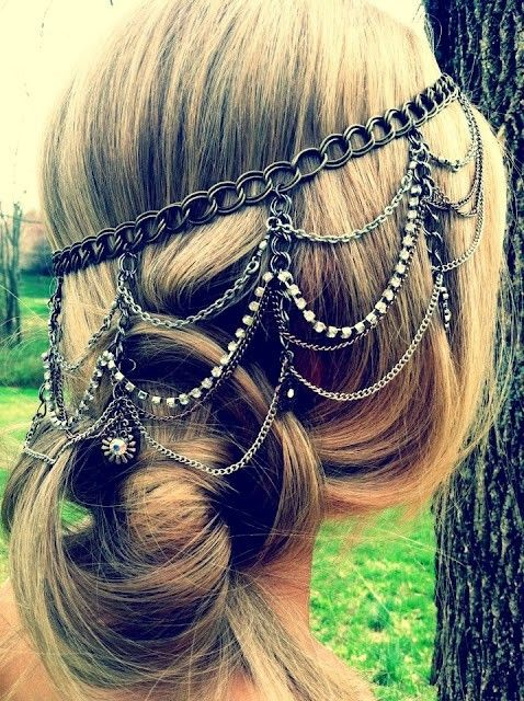 Beautiful head piece, norse, pagan? Chain-mail. I think I like the vintage side rhinestone clip better.