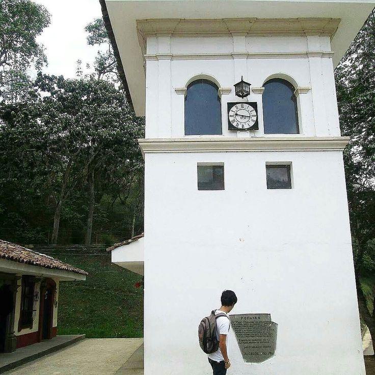 A special day in my white city in Popayán Colombia - Pueblito Patojo.  Fotografía  tripoide: @andresfernandogualteros  #Colombia #Momentos #Paisaje #Travels  #PopayánCO