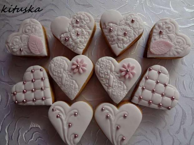 svadobné linecké srdiečka , zákusky torty | Tortyodmamy.sk