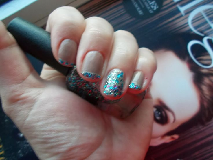 Confetti nails NOTD