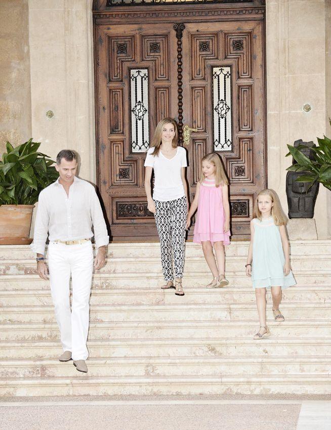 misshonoriaglossop:  Spanish Royal Family, Palma de Mallorca, August 5, 2014-King Felipe, Queen Letizia, Infanta Sofía, Infanta Leonor