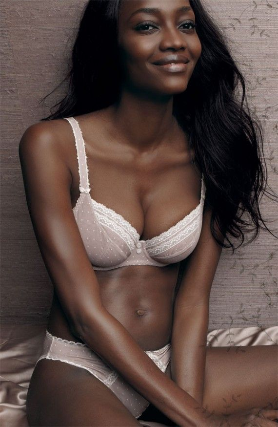Pin On 09 - Naomi Campbell-9159