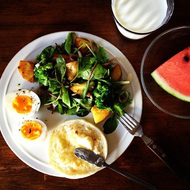 Today's breakfast. 出かけるので急ぎの朝ごはん - @keiyamazaki- #webstagram