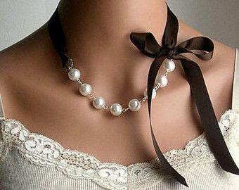 Pearl en lint ketting met Swarovski Crystal White door casamoda