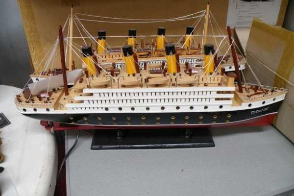 We have a range of sizes of the Titanic ship with lights (there is a couple where all the lights are not working these will be sold cheaper) they range from approx 40cm, 60cm, 80cm and 1.2m prices vary from $200 - $1,000. The largest is slightly damaged. 118 Lacey Drive Aldinga Beach SA 5173.......0871232612 $200.00 AUD