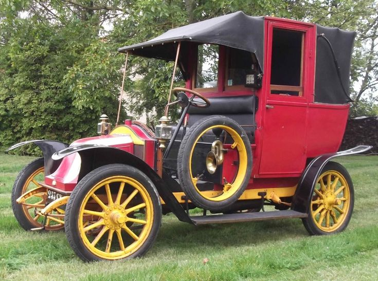 28 best classic vintage taxis images on pinterest antique cars vintage cars and autos. Black Bedroom Furniture Sets. Home Design Ideas