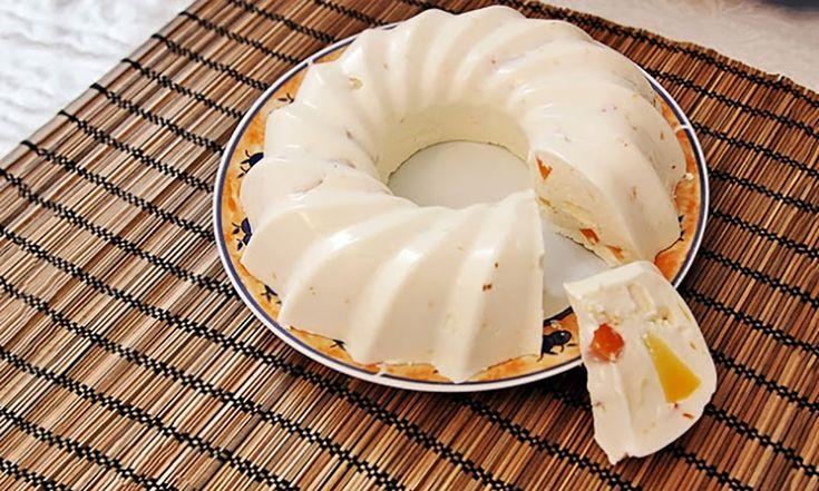 Doriți să vă răsfățați cu ceva dulcișor și sănătos? Preparați acest minunat desert de brânză, care este foarte simplu și ușor de realizat. Acest desert din brânză este foarte gustos, ușor, gingaș și conține puține calorii. Recomandăm acest deliciu tuturor iubitorilor de dulciuri! Echipa Bucătarul.tv vă dorește poftă bună alături de cei dragi!  Autor …