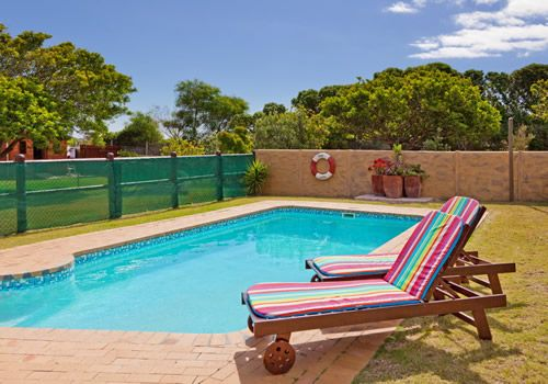 Noordhoek Self Catering Apartment Cape Town - Perspective Cottages http://capeletting.com/perspective-cottages-185/