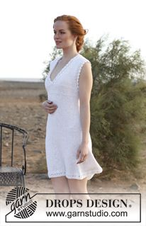 """Knitted DROPS tunic with lace pattern in """"Bomull-Lin"""". Size S-XXXL. ~ DROPS Design"""