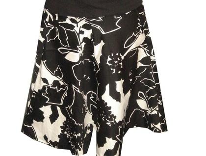Black/White Circle Skirt - Size 12 to 14