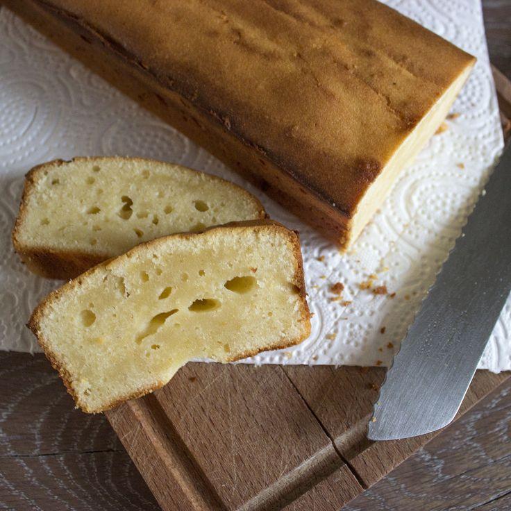 Deze citroen mascarpone cake is echt een topper. Hij is heerlijk smeuïg en er zit een klein zuurtje in van de citroen. Echt een hemelse combinatie. Het is daarom ook gelijk één...