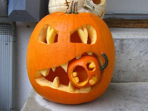 pumpkin-eating pumpkin: Halloweenpumpkin, Pumpkin Idea, Pumpkin Eating, Halloween Pumpkin, Holidays, Pumpkin Carvings, Jack O' Lanterns, Carvings Pumpkin, Jack-O'-Lantern