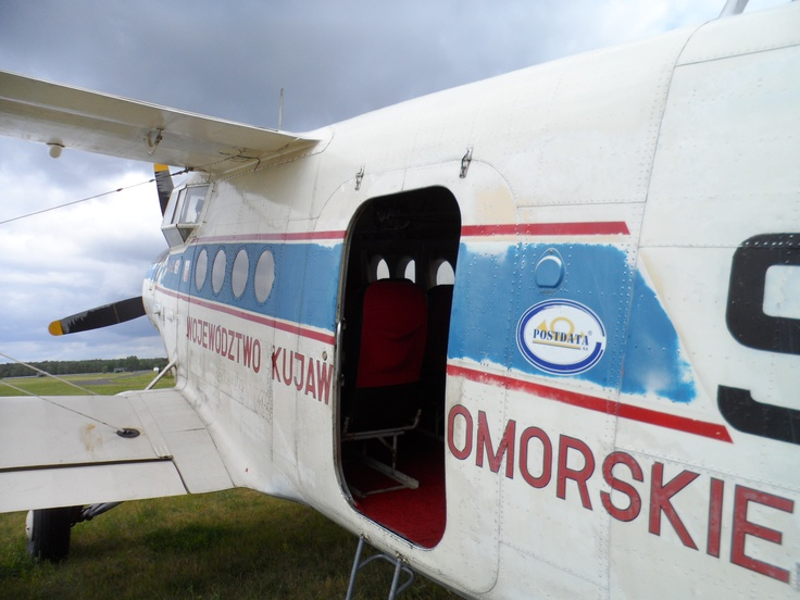 Que tal uma voltinha num avião russo de 1958?