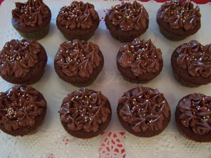 Cupcakes de chocolate negro y naranja, buttercream de chocolate negro y naranja: Cupcake Rosa-Choqu, Cupcake De Batata-Doc, Chocolates Negro, Cupcake De Chocolates