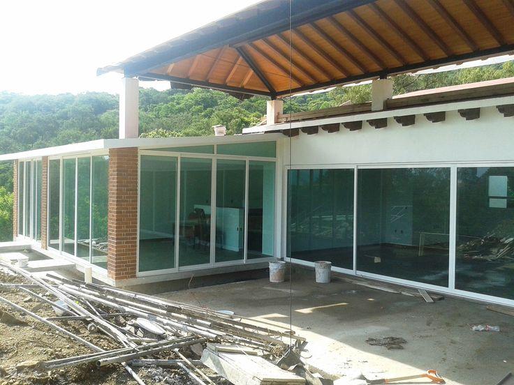 207 best arquitectura obras propias images on pinterest - Puertas corredizas de vidrio ...