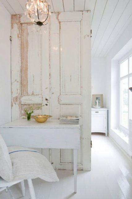 Δείτε πώς 6 παλιές πόρτες μετατράπηκαν σε όμορφα διακοσμητικά