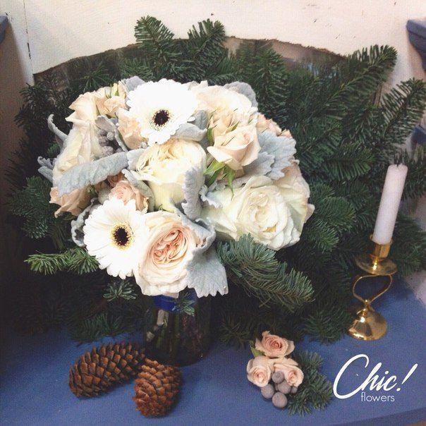 Зимний букет невесты  с еловыми ветками и нежными пионовидными розами ✨❤ и в завершение - акцент - синяя бархатная лента    #chicwedding #chicwed #chicfw #цветыспб #доставкацветов #радость #счастье #питер #спб #цветыназаказ #зимнийбукет #любовь #букет #букетневесты #свадьба #зимаспб #букетдлялюбимой #свадьба #свадьбаспб #невеста #жених #молодожены #мода #стиль #девушка #образ #шик
