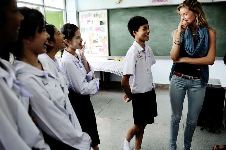 Doutzen Kroes in Thailand voor dance4life, 2012 (Photo: Liselore Chevalier).