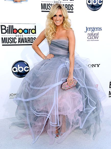 Oscar de la Renta's Most Showstopping Red Carpet Moments | CARRIE UNDERWOOD | At the 2012 Billboard Music Awards