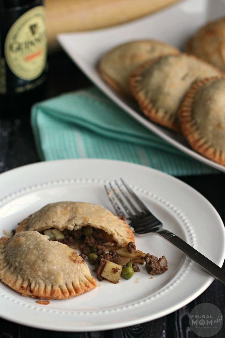 Hand Pies are a delicious twist on the traditional Beef and Stout pie ...