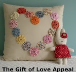 ~ Yo-Yo Heart Pillow ~ This would be neat in Quilt Blocks too....