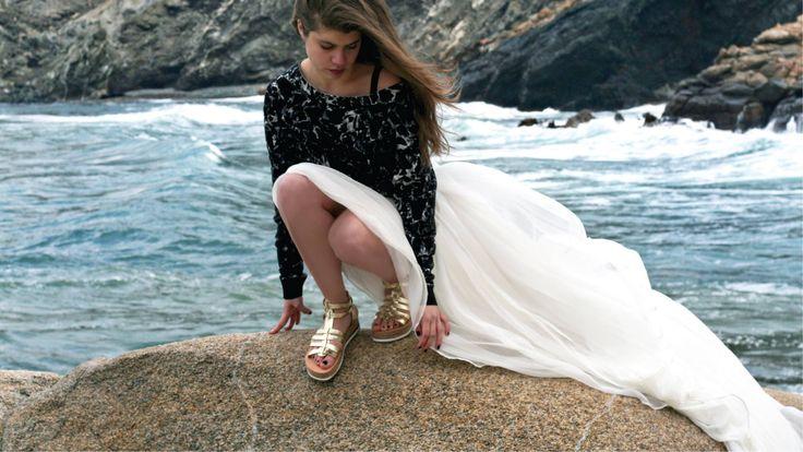 http://www.living-postcards.com/fashion-style/esiot-sandals#.VdscJzYVgdU