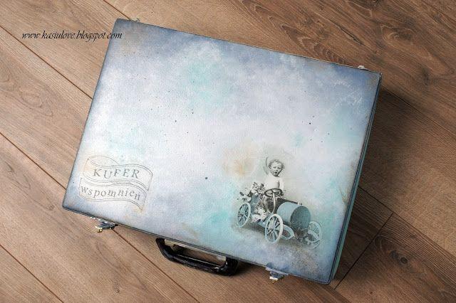 stara walizka po sztućcach zamieniona w kufer wspomnień / decoupage na walizce / kufer, walizka w kolorach mięty, szarośći i turkusu / upcykling starej walizki / old suitcase upcycled and decoupaged into memories box for baby boy - fantastic idea for keeping babies souvenirs