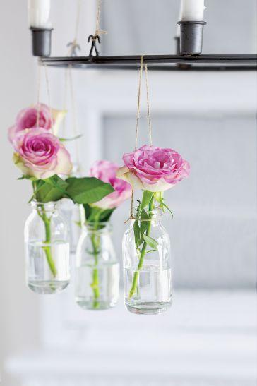 Kto powiedział, że wazon musi zawsze stać?
