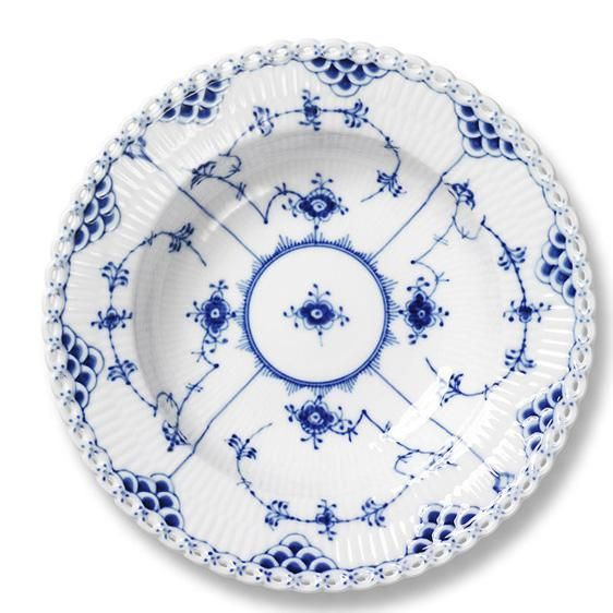 dream plate Royal Copenhagen blue fluted full lace