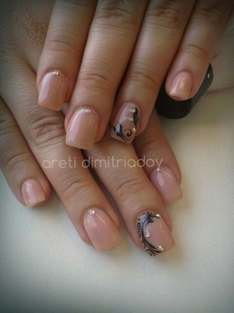 #acrylicnails #nails #essentialcare #portorafti #nude #lovemyjob