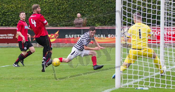 Queen's Park's David Galt puts in a cross during the Ladbrokes League One game between Brechin City and Queen's Park.