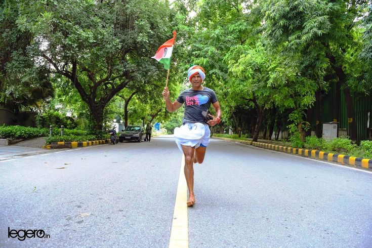 The Ironman Milind Soman Once Again Proved His Metal To The World By Cycling For 245 Kms And Sunning For 99 Kms In North East  #MilindSoman #Cycling