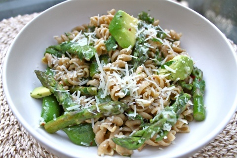 Asparagus, Snap pea and avocado pastaSnap Peas, Recipe, Chand Yesterday, Bubbles Chand, Arenal T, Asparagus, Avocado Paste, Cheapi Version, Alternative Lights