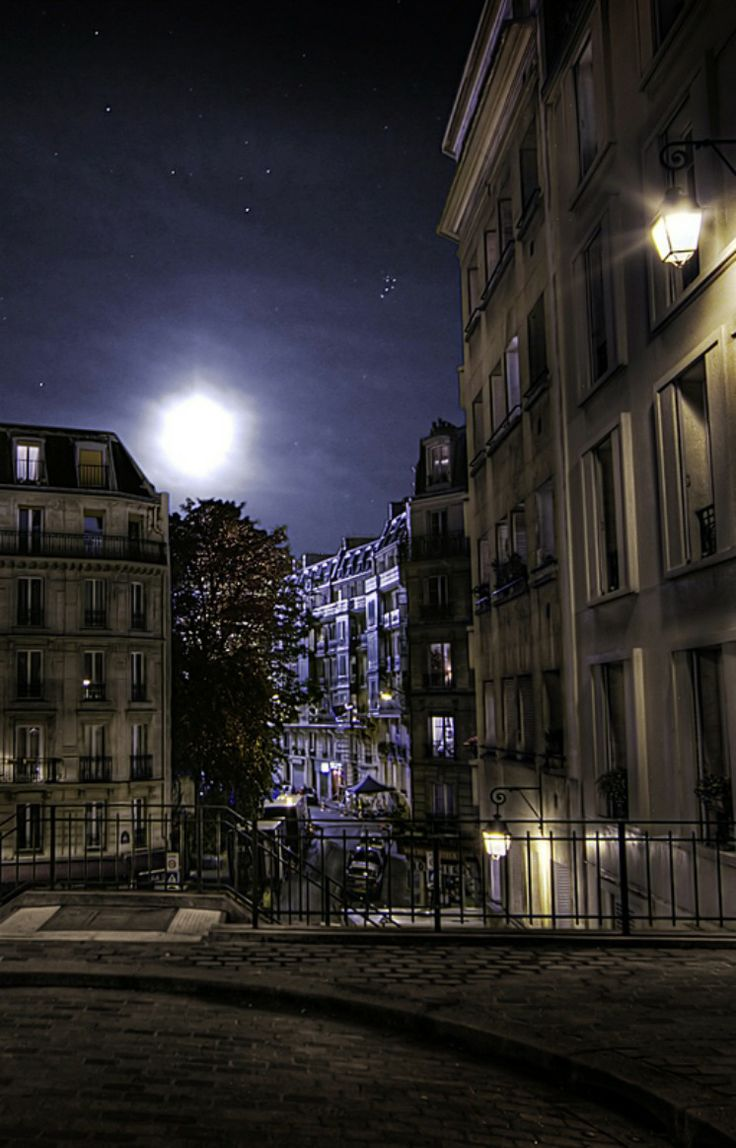 Midnight in Paris, really...