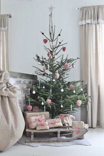 vintage & rustic Christmas tree