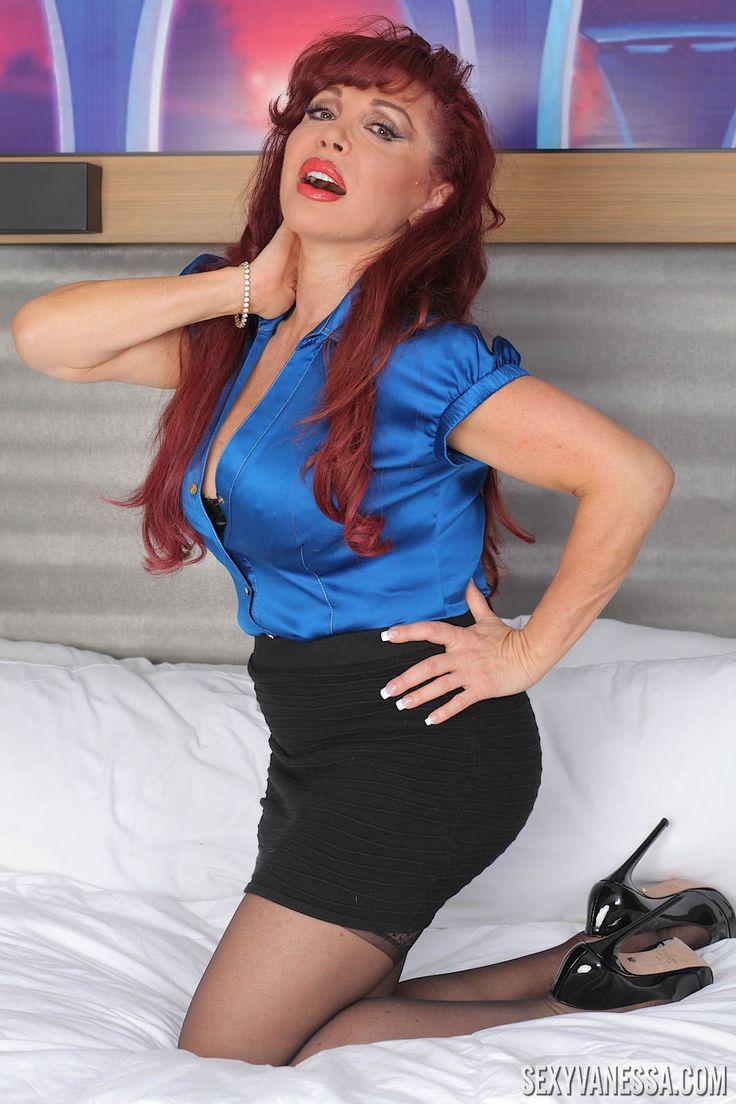 Wendi McLendon-Covey nude HD sex photos