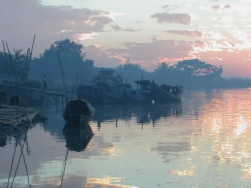 Burma - Mrauk U by Liwnwn, via Flickr