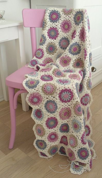 Loving granny squares at the moment; it's years since I've done any crochet. Might have to inverse in a hook.: