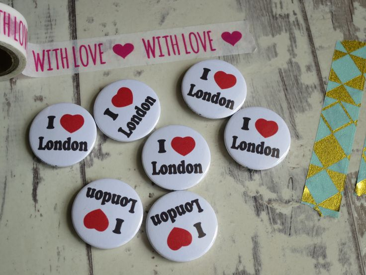 A great set of I Love London badges heading off today. Available on our website … – Button badges