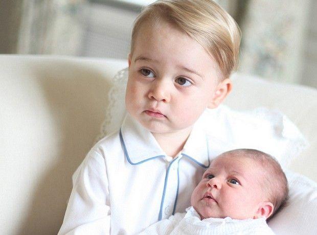 Cuteness alert! Οι πρώτες επίσημες φωτογραφίες της μικρής πριγκίπισσας Charlotte - Celebs | Ladylike.gr
