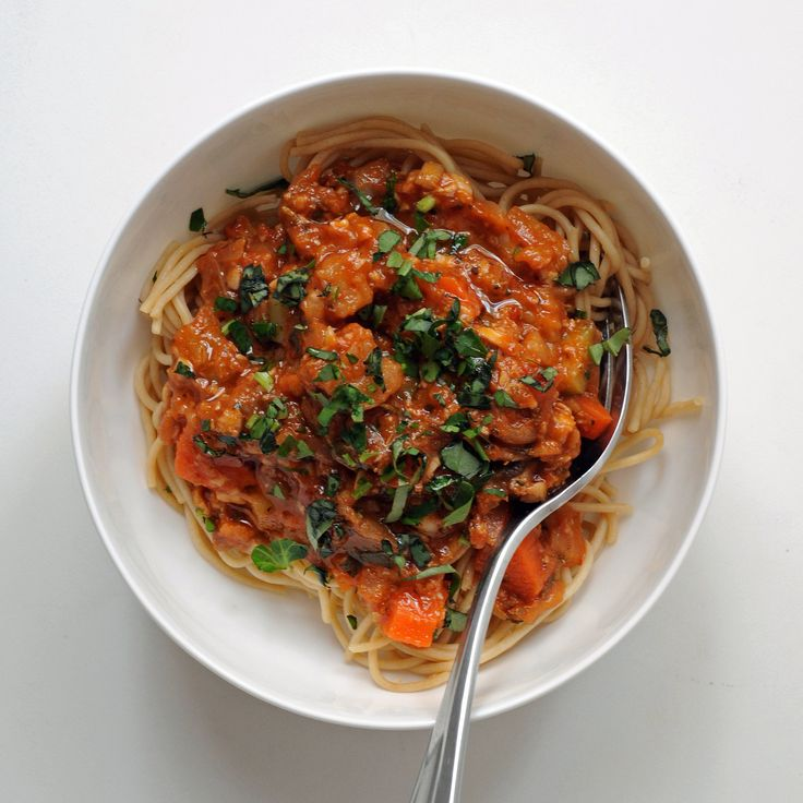 Loading up on beef midday can leave you feeling heavy and tired. Solve this problem — and cut back on calories, fat, and cholesterol — with this recipe for vegan bolognese that's perfect for lunch. Calories: 257 Photo: Nicole Perry
